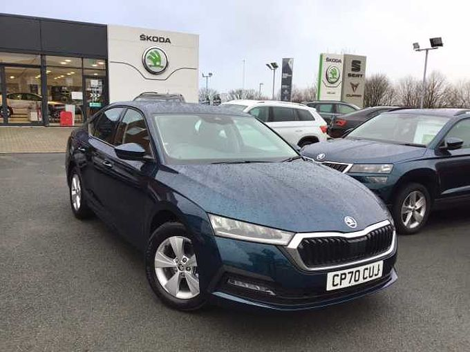 SKODA Octavia Hatchback 1.5 TSI (150ps) SE First Edition