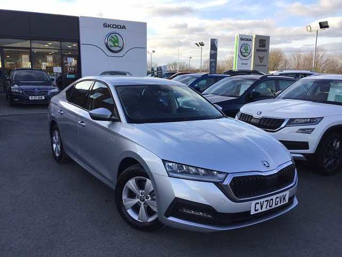 SKODA Octavia Hatchback 1.5 TSI SE First Ed ACT (150PS)